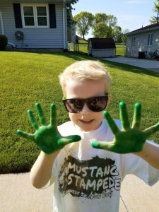 Hands green