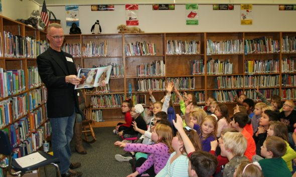 News kurt wagner reads to students