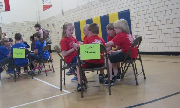 News table mounds team competes at district battle of the books