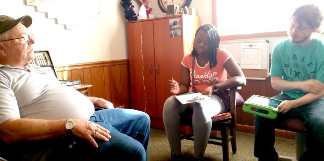 Students Interview Veterans